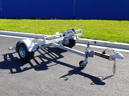 plate compactor trailer tilting view from front