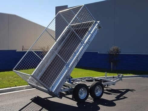 heavy duty tip trailer rear tipping view