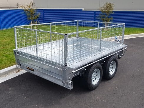 tandem axle heavy duty trailer rear view