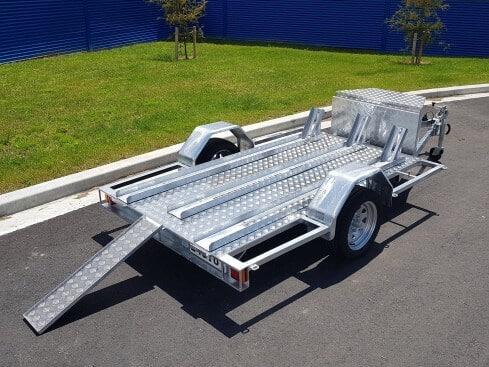 single axle motorbike trailer with rear ramp side view
